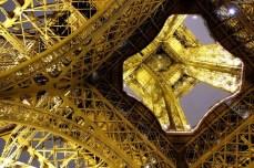 Paris - Tour Eiffel sub altă perspectivă