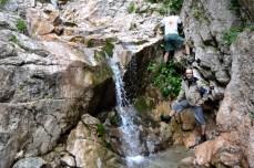 La cascada Moara Dracului din Bucegi