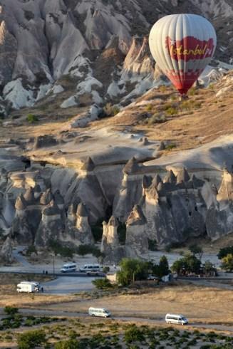 Explorând călugării de la Paşabağ