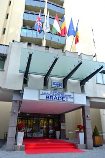 Hotel Brădet și covorul roșu din ziua inaugurări