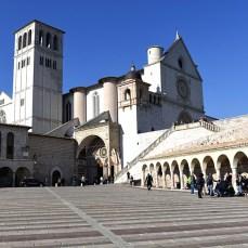Am revenit în Asissi, la biserica franciscană pe două nivele