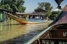 Pe canalele Chao Praya