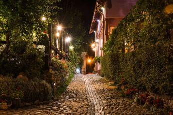 Seara pe străzile cetății