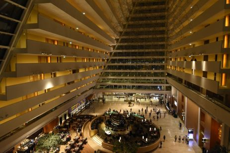 Atriumul hotelului Marina Bay Sands