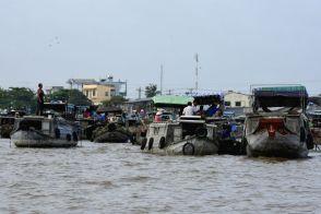 Piata plutitoare Cai Rang