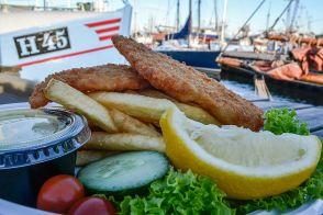 O cină la malul mării