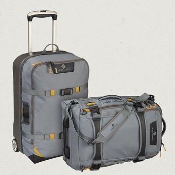 Detachable bag carried as a shoulder bag