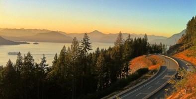 מים לשמיים בקולומביה הבריטית Sea to Sky Highway
