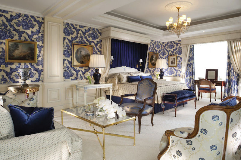 Four Seasons  - Best Hotels in Paris