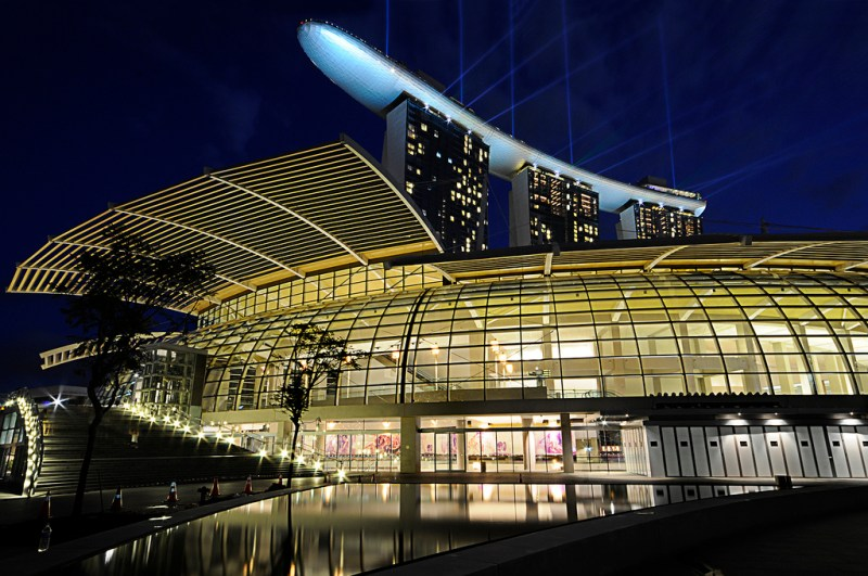 marina-bay-sands-hotel-at-night
