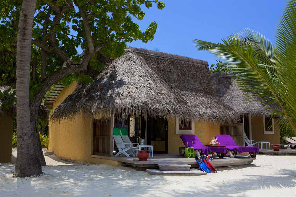 kuredu-maldives-beachside-bungalow