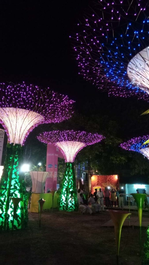 Unique pandal made similar to Gardens by the Bay, Singapore