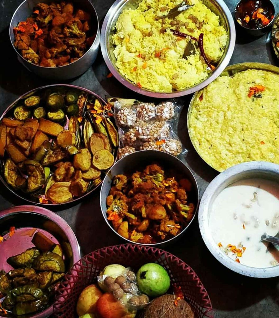 'Bhog' - Lunch meals served to everyone in pandals