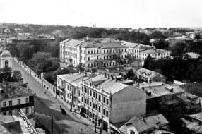 Большая Покровская. Вид на нынешний ННГУ