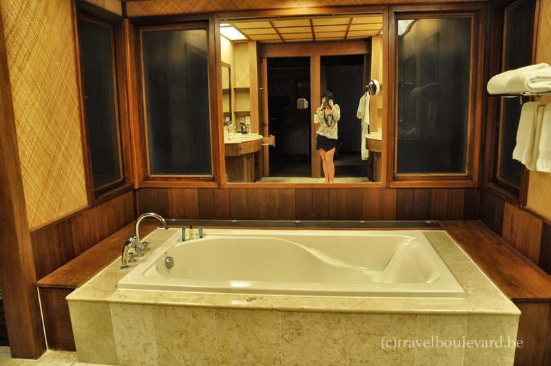 hilton-bora bora - bathroom