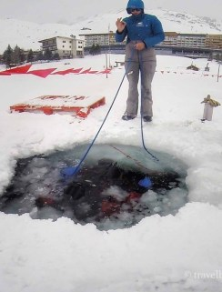 tignes ice diving