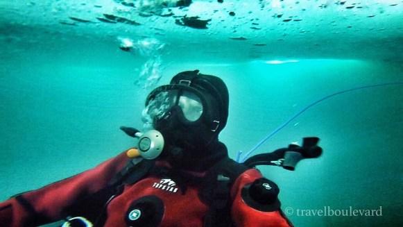 ice-diving-tignes27