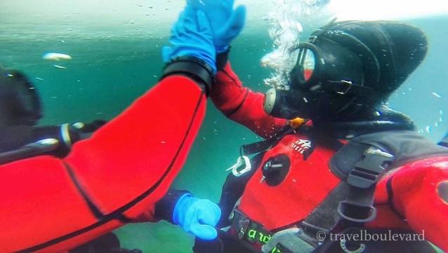 ice-diving-tignes34
