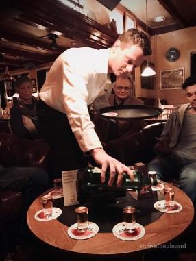 Nobeltjes drinken bij Nobel.