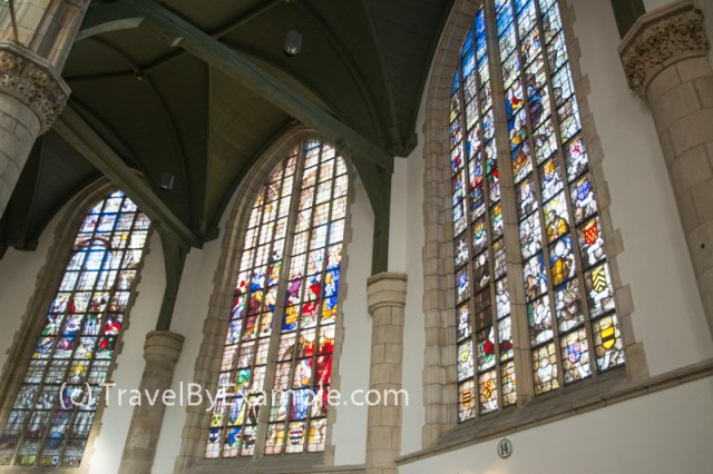 In Sint-Janskerk every stained glass window tells a story
