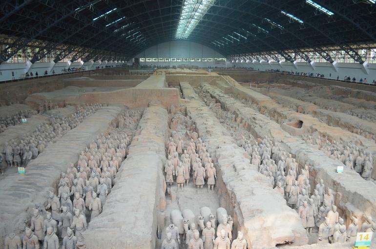 צבא לוחמי הטרקוטה - מורשת הקיסר הראשון של סין (צילום: נוגה פייגה)