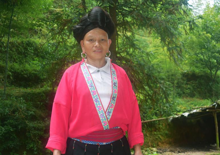 בת למיעוט יאו בטראסות האורז לונגג'י (צילום: טל ניצן)