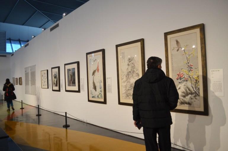 מסדרון החינוך של המוזיאון. דרך מצויינת ללמוד על סוגי אמנות סינית קלאסית (צילום: נוגה פייגה)