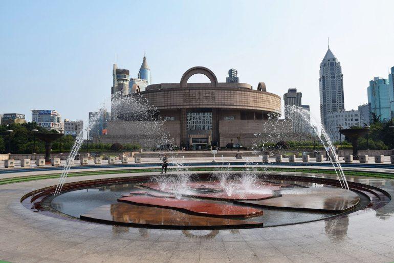 מוזיאון שאנגחאי. בולט באוספים מדוייקים עם כיתוב באנגלית (צילום: טל ניצן)