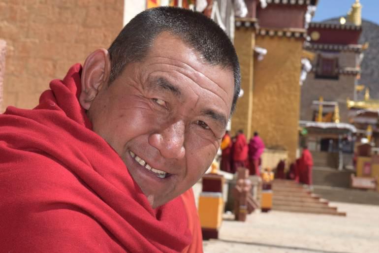 מנזר סונג-דזאן-לין. נזירים חביבים ומסבירי פנים (צילום: טל ניצן)
