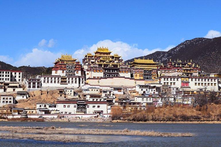 מנזר סונג-דזאן-לין. מבט מרחוק (צילום: טל ניצן)