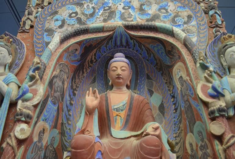 פסלים במערות מוגאו (צילום: נוגה פייגה)