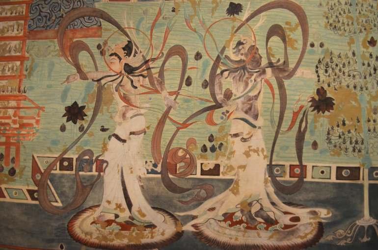 ציורי ריקודים ונגינה ממערות מוגאו. עדות בודדת למנהגים עתיקים (צילום: נוגה פייגה)
