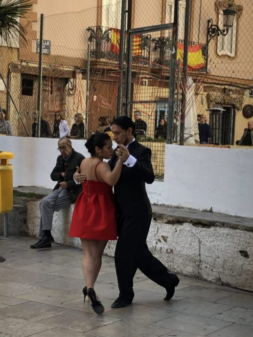 A bit of tango near the cathedral