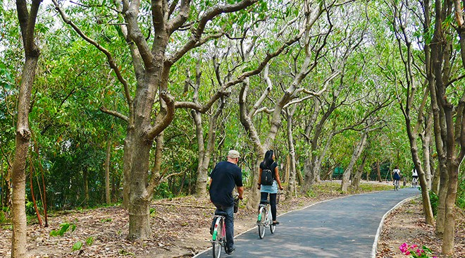 Inner-city-eco-tourism-Bang-Krachao-and-Lat-Pho-Canal-Botanical-Bike-Path-in-Bang-Krachao