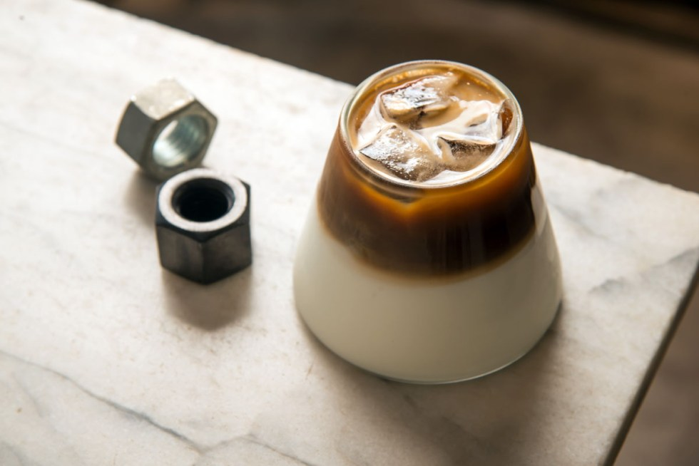 最潮的職人汽車修護廠遇上美味手沖咖啡與甜點