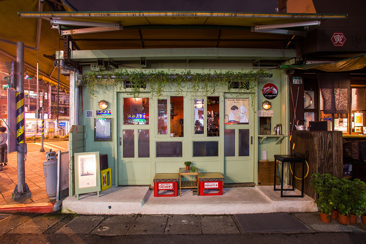只有一個座位的喫茶店,在昭和時代享受咖啡、黑膠唱片