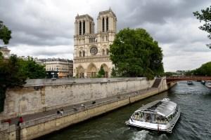 Insidr|到巴黎遊塞納河,還可以自己開船自駕遊河