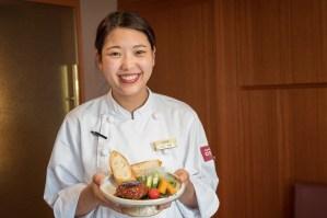 大阪排隊名店千房大阪燒為了台灣旅客調整口味推出新菜單,還推出無肉漢堡