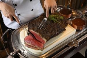 最受歡迎第2名的吃到飽餐廳,這回端出「極黑和牛」要讓大家大飽口福
