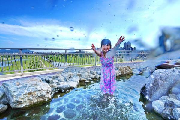 夏天,戲水,河濱公園,噴水池