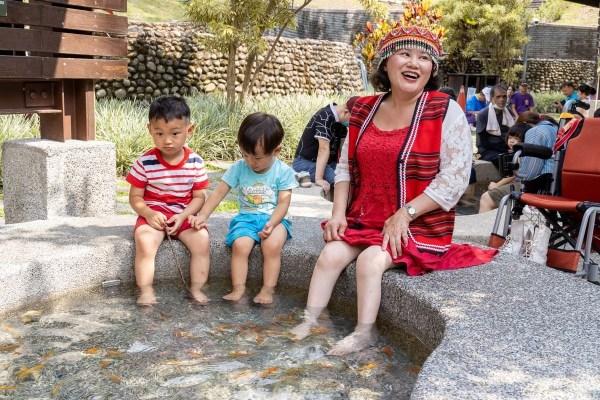 台中,谷關,無障礙旅行,溫泉公園,泡腳池,白冷冰棒
