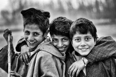 """Fotki z dzieciństwa. Eksperci ostrzegają przed """"wyzwaniem"""""""