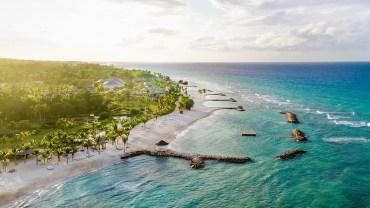 Jamajka kusi turystów
