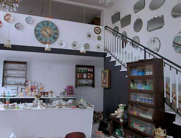best cafes in Rome with wifi tea room