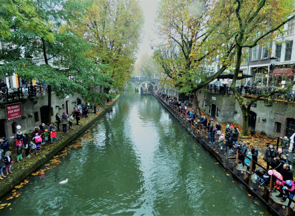 Crowds line the canals in Utrecht during Sinterklaas Parade.