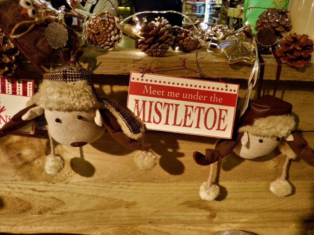 christmas decorations misteltoe