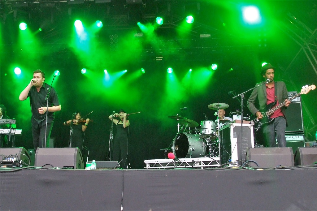 Elbow at Hydro-Connect Festival.
