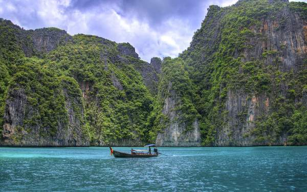 Phuket further eases COVID-19 domestic travel screening from 16 October