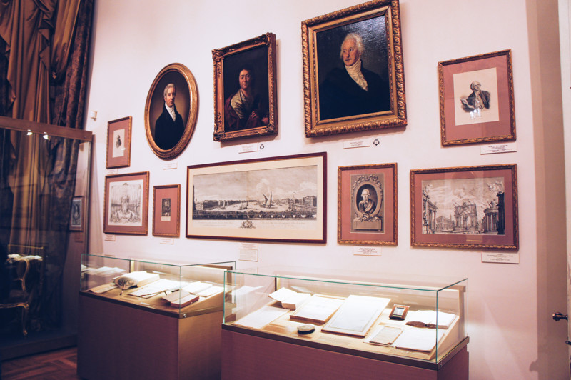 Expositions of the Museum of Theatre and Music lead us through the story of theatre in Russia