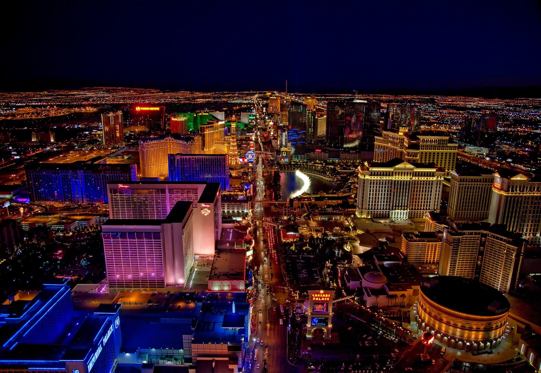 Flight Deal Round Trip From Chicago Area to Las Vegas #chicago #lasvegas